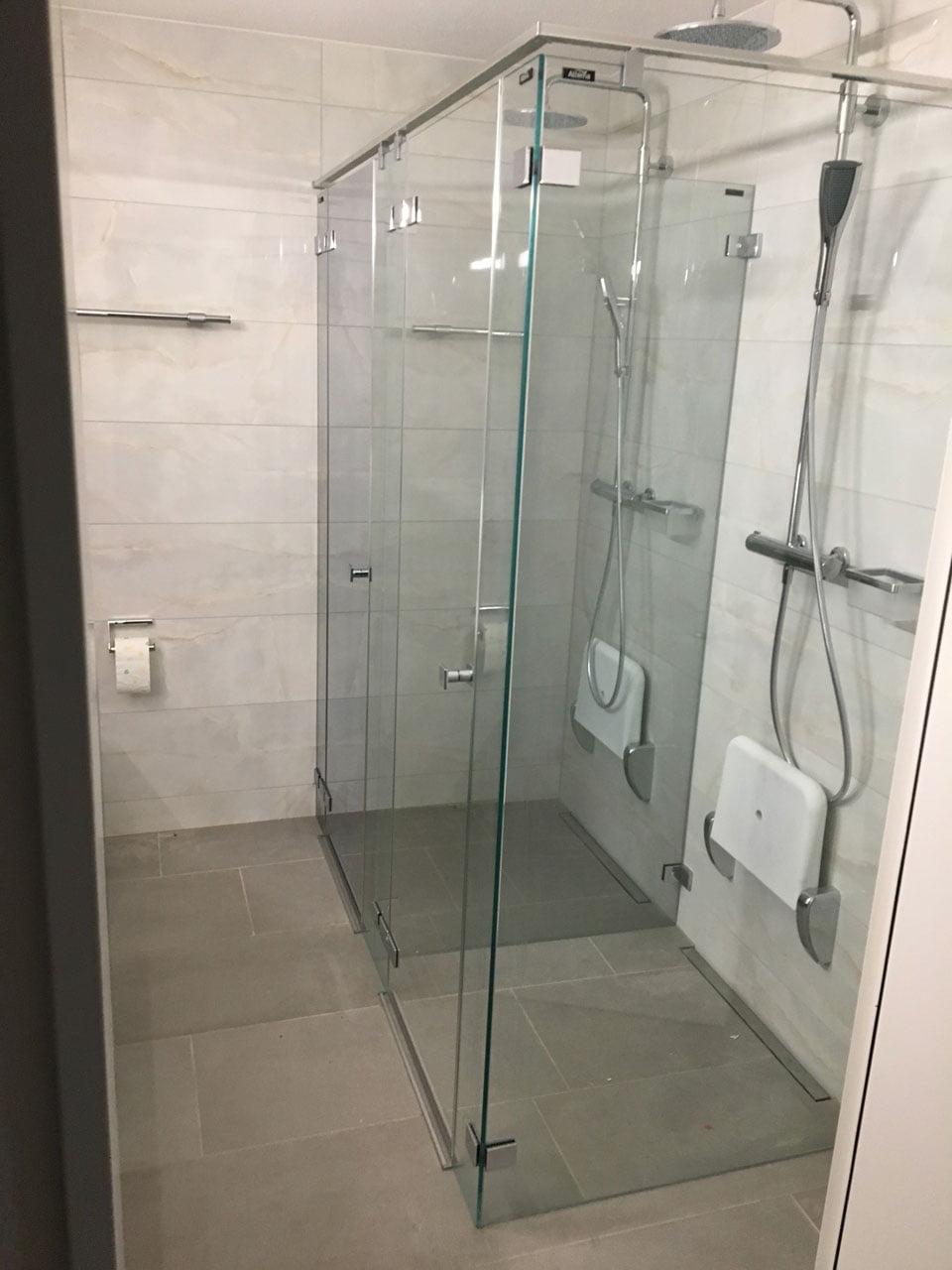 Duschkabine aus Glass